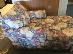 Chaise lounge - mint condition