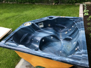 Hydropool Spa Hot Tub