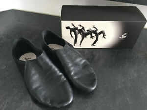 Girls Leo's Jazz Shoes - Size 13.5