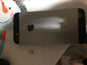 Iphone 5s a1 32g grey avec otter box