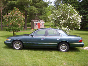1995 Ford Grand Marquis Sedan