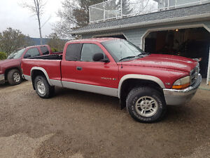 1998 Dodge Dakota 4X4 Pickup Truck