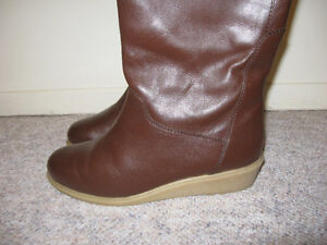 Long leather boots, size 7.5-8M London Ontario image 2