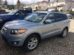 2010 AWD Hyundai Santa Fe (loaded) with Navigation - OBO