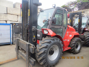 LIKE NEW 2014 MANITOU FORKLIFT LOW LOW HOURS