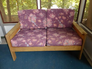 Sofa Kawartha Lakes Peterborough Area image 1
