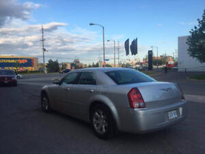 2005 Chrysler 300-Series Sedan $2000.00