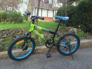 bicyclette pour jeune garcon//bike for young boy