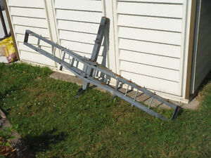 Truck or car hitch rack