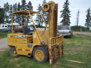 FORK LIFT CATERPILLER with SIDE SHIFT
