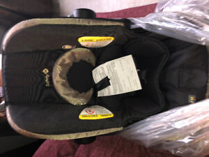 Safety 1st Onboard 35 - Brand New Car seat
