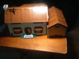 Lepin Simpson house building kit