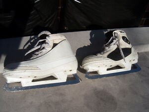 Size 9 1/2 CCM Pump Used Goalie Skates Windsor Region Ontario image 4