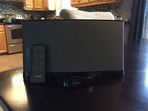 BOSE Sound Dock Series II  (remote included)