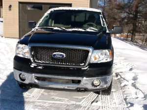 2008 Ford F-150 marches pieds Camionnette