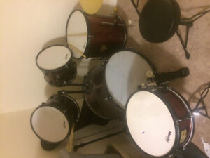 Mendini drum set for sale