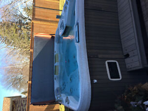 Sundance Maxxus Hot Tub