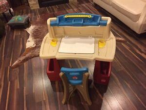 Step 2 toddler deluxe art master desk
