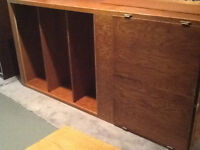 setting up a dorm or apt.   cabinet and bookshelves   Free