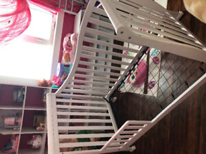 GUC Crib with transiton piece for toddler bed