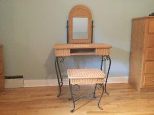 Vanity Stools | Kijiji in Ottawa. - Buy, Sell & Save with Canada\'s ...