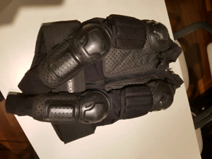 Mountain bike chest protector