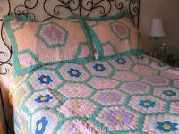 Handmade quilt / Courtepointe fait main
