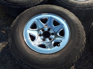 Bridge Stone P 265 / 70 R 17 Silverado 2015 Mag / Tires GMC