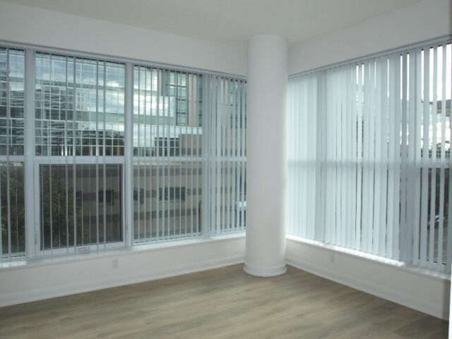 840sqft Condo 2bed 2bath Gibson Square Yonge St Park Home Ave