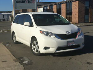 2011 Toyota Sienna, Backup Camera, Bluetooth and more