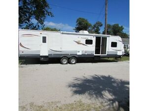 Trailer - 2013 Heartland RV Trail Runner TR 39 FQBS