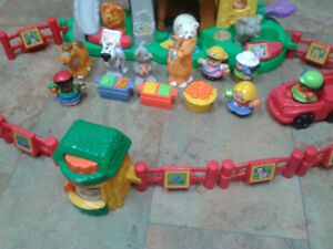 Fisher Price Animal Sounds Zoo