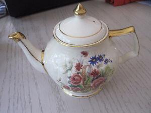 Sadler England teapot signed
