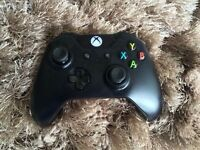 OFFICIAL XBOX ONE WIRELESS PAD EXCELLENT CONDITION FULLY WORKING ..