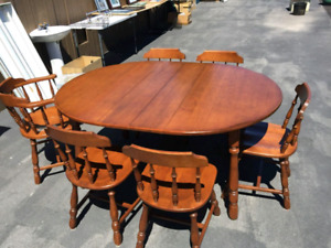 Maple Dining Table with Matching Hutch