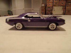 Loose In-Violet Purple 1970 '70 PLYMOUTH HEMI BARRACUDA 426/425