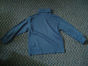 Boys Size 5 Navy Turtleneck