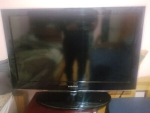"32"" 450 Series HD TV Samsung"