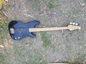Magnum bass guitar