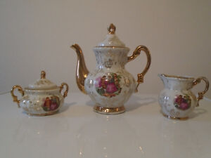 Vintage Tea Pot, Creamer and Sugar Bowl