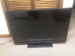 """Insignia 39"""" LCD TV with remote"""