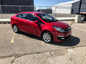2017 Kia Rio EX Special Edition Sedan with only 17,000kms!!!