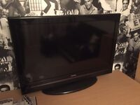 """Toshiba 32"""" tv good condition built in freeview"""