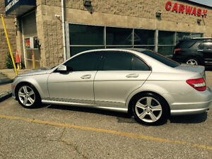 2009 Mercedes-Benz C-Class c300 low kms great condition!