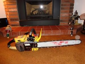 JOHN DEERE CHAIN SAW
