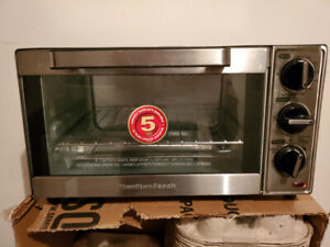 Hamilton Beach - 4 Slice Toaster Oven Like new