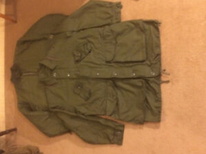 Surplus Canadian Forces  jacket w/extreme  cold liner . Size lg