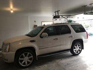2013 Cadillac Escalade SUV, Crossover