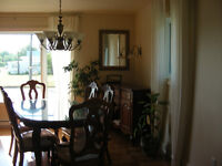 Magnifique ensemble de salle a manger style classique en bois