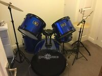 Nearly new 5 piece acoustic drum kit